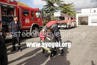 Ludoteca_2015-Visita_al_parque_de_bomberos-Galerias-Ayuntamiento-de-Ayegui (24)