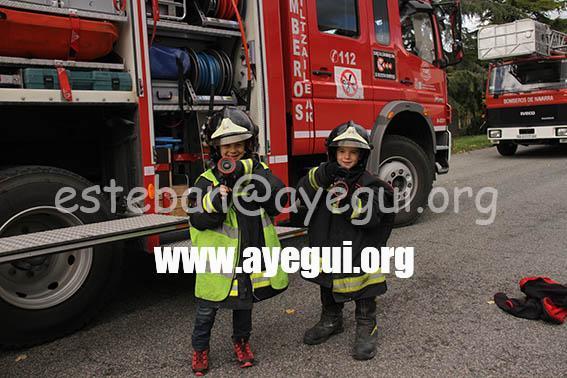 Ludoteca_2015-Visita_al_parque_de_bomberos-Galerias-Ayuntamiento-de-Ayegui (44)