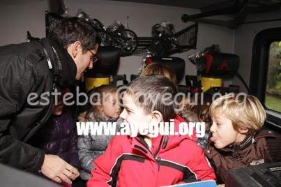 Ludoteca_2015-Visita_al_parque_de_bomberos-Galerias-Ayuntamiento-de-Ayegui (71)
