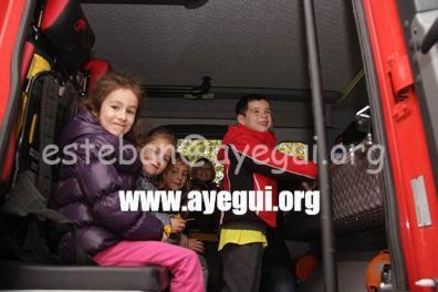 Ludoteca_2015-Visita_al_parque_de_bomberos-Galerias-Ayuntamiento-de-Ayegui (72)