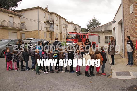 Ludoteca_2015-Visita_al_parque_de_bomberos-Galerias-Ayuntamiento-de-Ayegui (89)