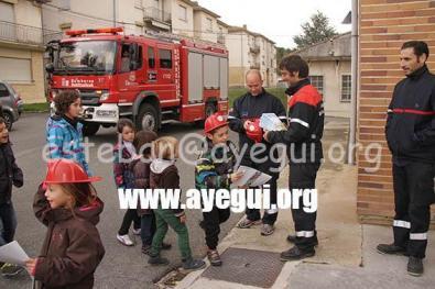 Ludoteca_2015-Visita_al_parque_de_bomberos-Galerias-Ayuntamiento-de-Ayegui (95)