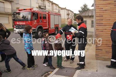 Ludoteca_2015-Visita_al_parque_de_bomberos-Galerias-Ayuntamiento-de-Ayegui (96)