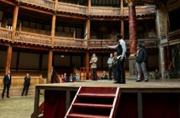 Barack Obama visits Shakespeare's Globe theatre on 400th anniversary