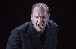 Richard III - Almeida Theatre (c) Marc Brenner