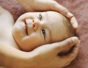 Pillole di Ayurveda: il massaggio del neonato