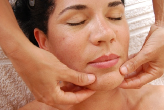 Massage To Protect Your Face