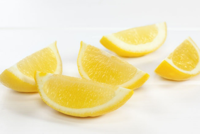 A Slice Of Lemon Can Also Be Of Help