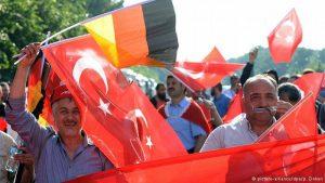 """Türklərə """"ölüm cəzası referendumunda"""" iştirak imkanı verilməyəcək"""