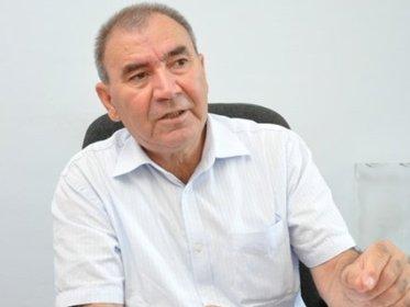 İlham Əliyev bəlkə, Əli Abbasovla Əli Kərimlini səhv salır?