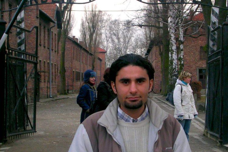 Auschwitz ve Toplama Kampları Üstüne