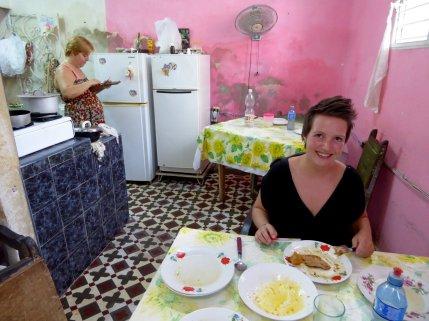 Lokaal eten in dit huiskamerrestaurant. Camagüey