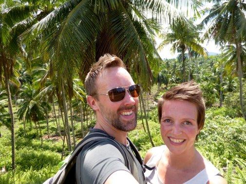 Wij met de benenwagen onderweg naar Baracoa.