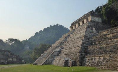 De mooie ruInes in het tropisch regenwoud van Palenque
