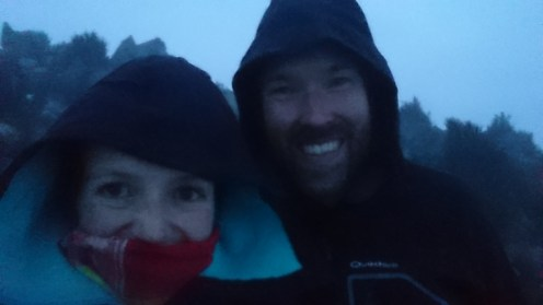 We doen als of hep'ie us op de misterieuze top van vulkaan Santa Maria.