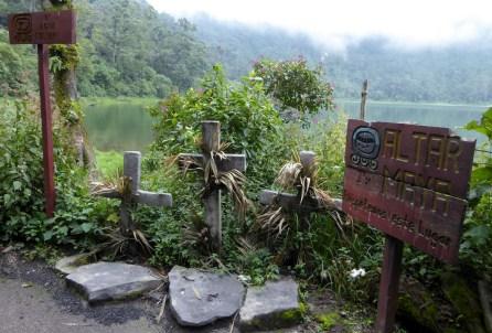 Voor het geval de Maya's niet meer weten hoe hun altaar eruit ziet? Lake Chicabal