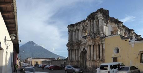 Één van de ruïnes van Antigua.