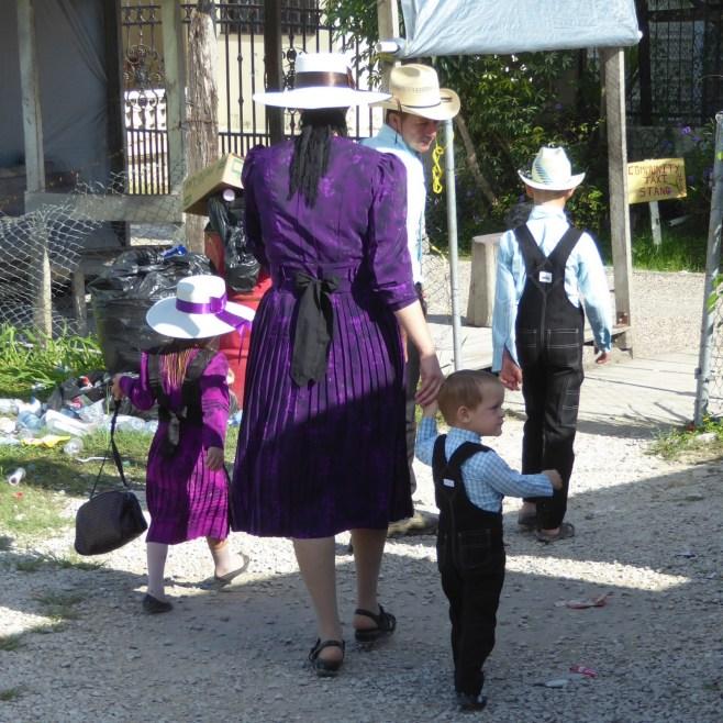 Wij vinden de Guatemalteekse klederdracht toch beter... Orange Walk