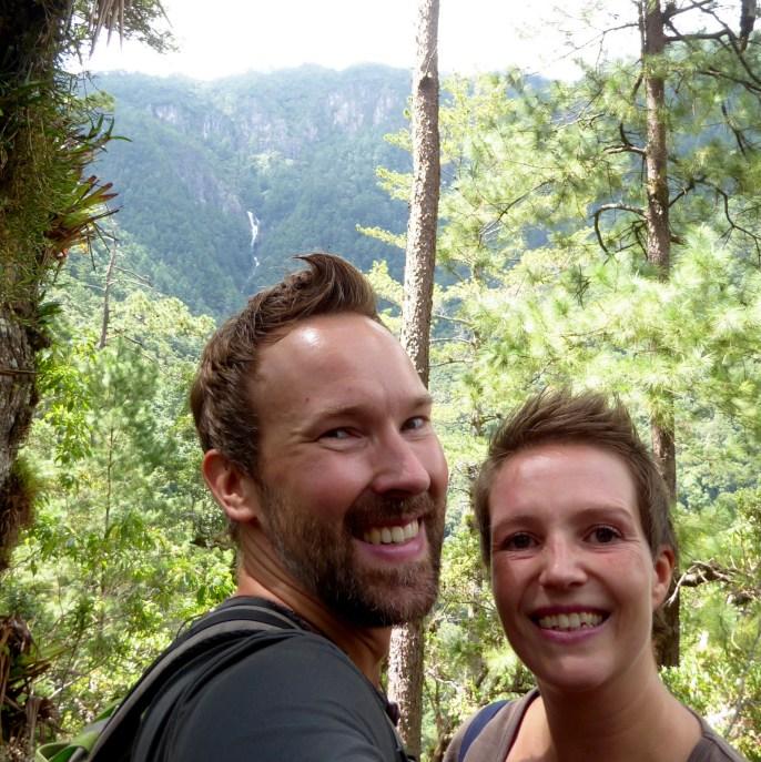 Hep'ie us met als je goed kijkt de waterval. Parque Nacional Montaña de Celaque