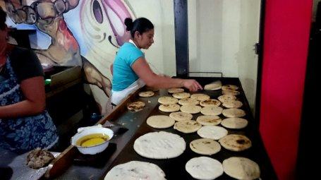 De beste pupusas van El Salvador! Juayúa