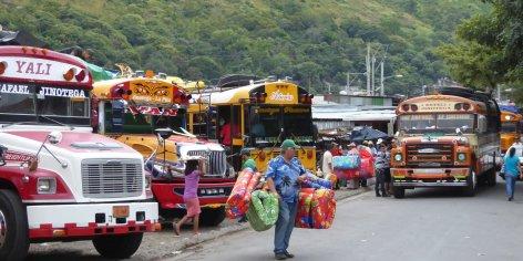 Als de bankjes in de bussen te hard voelen kun je ter plekke een matras kopen. Jinotega