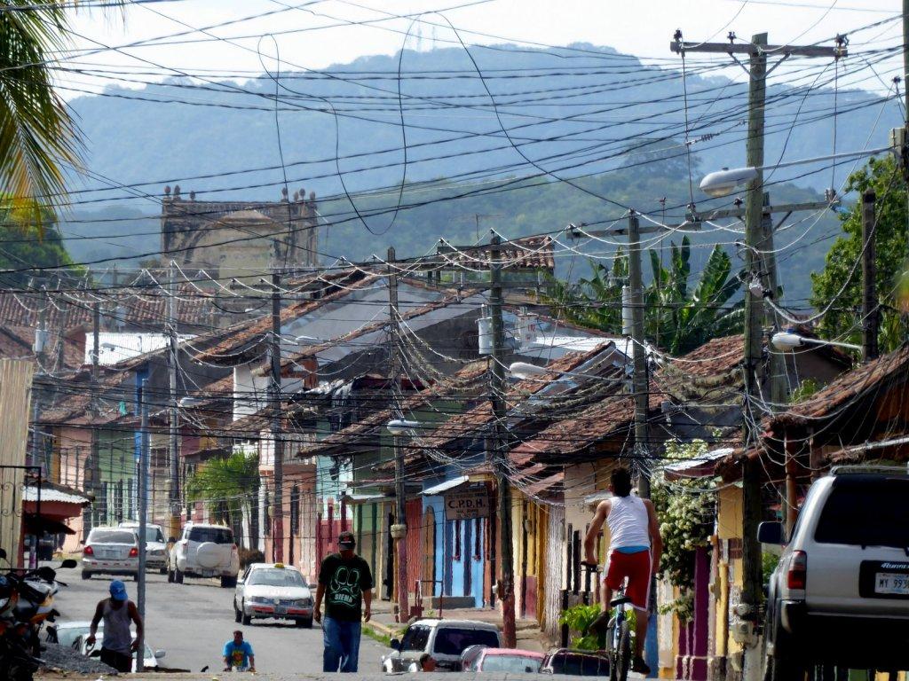 Dradenchaos in de straten van Granada.