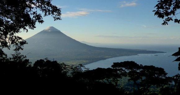 Vulkaan Concepción vanaf vulkaan Maderas.