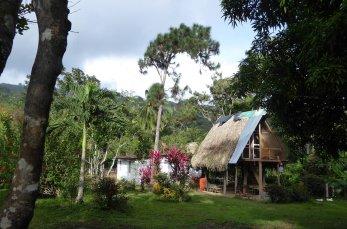 Typisch huisje op de terugweg vanaf Cascada de Bermejo. Santa Fé (Panama)