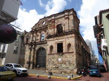 Ruïne kerkje. Casco Viejo, Panama City