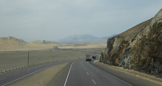Desertroad op weg naar Huaraz.