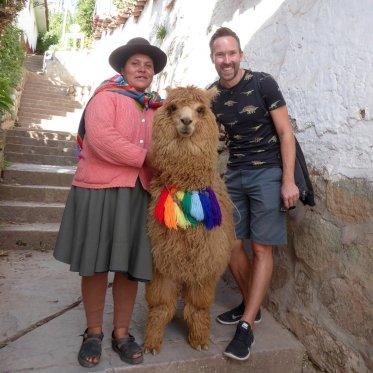 Zonder onder gespuugd te worden op de foto met deze harige unit. Cusco