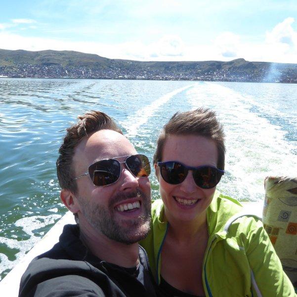 Hep'ie us op Lago Titicaca.