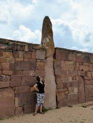Potverdorie dat is een grote steen. Tiwanaku ruïnes
