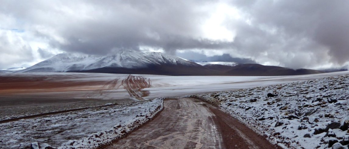 Zuid Bolivia road trip in de sneeuw.