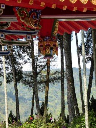 Mooi plaatje. Wenwu tempel, Sun & Moon lake
