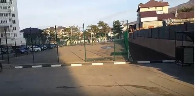 Работа УК Каскад в ЖК Азимут часть 2, спортивная площадка или строительная?