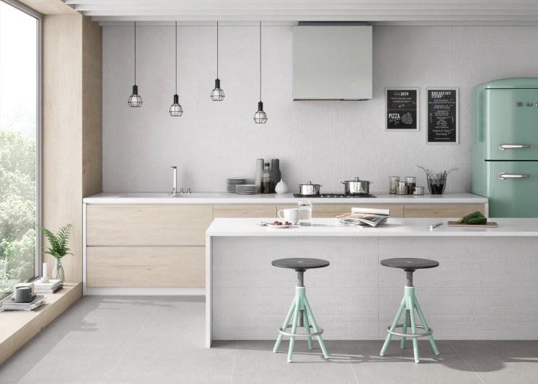 5 revestimientos cer micos para tu cocina azulejos pe a for Cocina con azulejos blancos