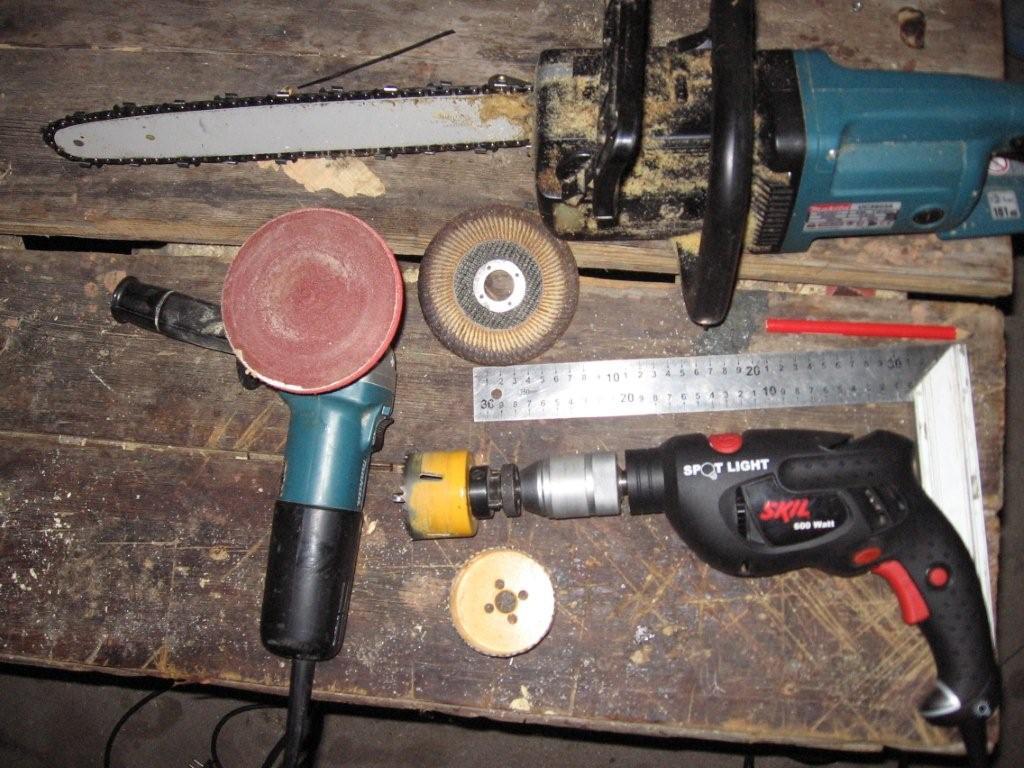 Įrankiai reikalingi mašinai sutverti