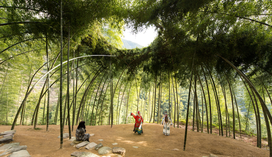 Earth Wood Clay The Contemporary Architects Re