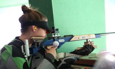 Martina Ziviani in posizione di tiro