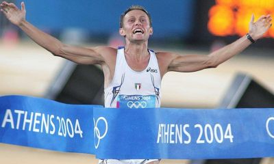 atletica leggera stefano baldini maratona atene 2004 traguardo oro marathon athens 2004 olympics gold running corsa giochi olimpici olimpiadi