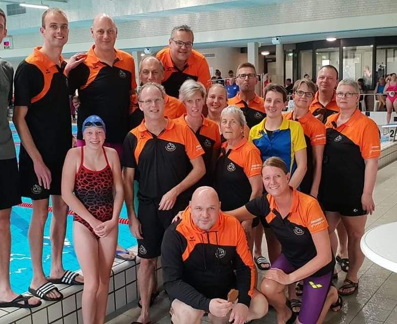 Harry Cornet zwemt wedstrijdrecord