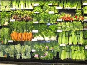 Image of fruits and vegetables in a grocery store. Makes the case for an analogy about how to pick blog categories and tags.