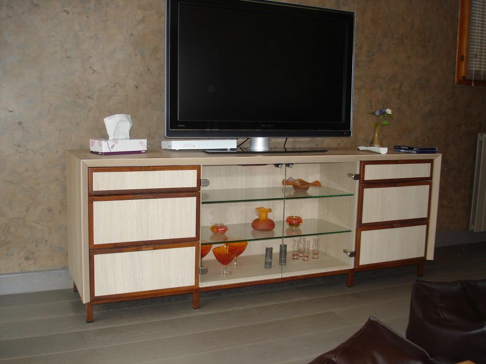 Meuble-TV-chêne-et-acier-aspect-rouillé-1-e1423571431713