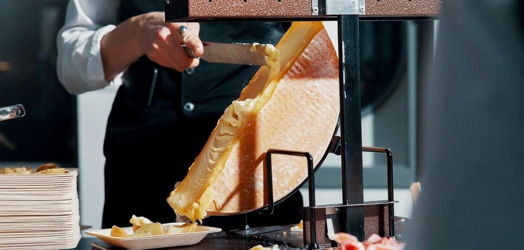 Raclette traditionnel en Action
