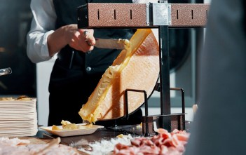 Raclette traditionnel en Action