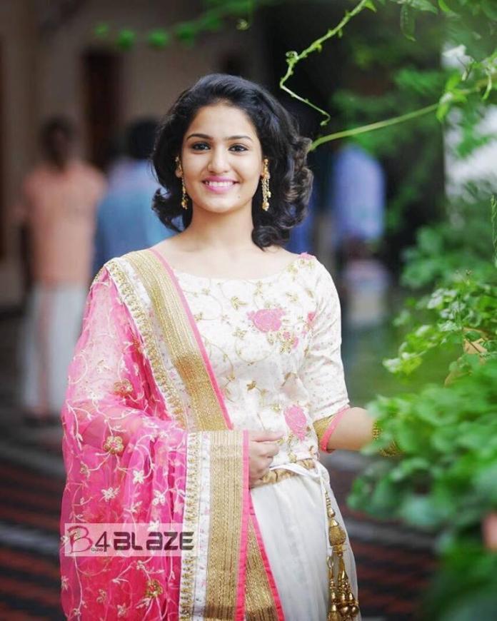 Saniya Iyappan Latest Photos (6)