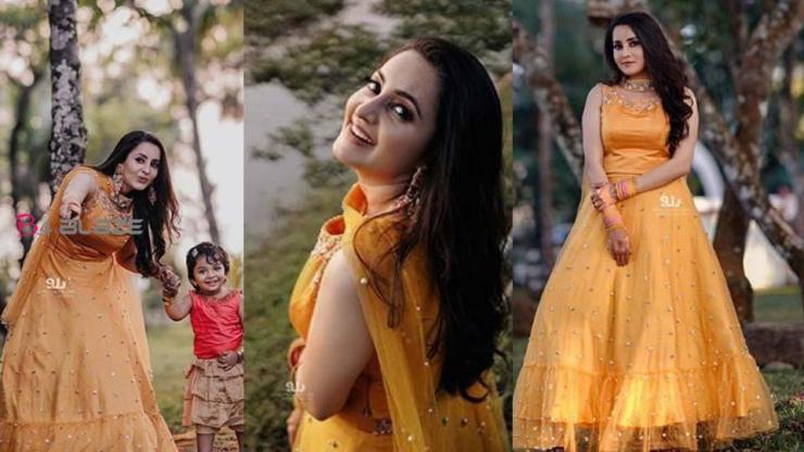 Bhama Gorgeous in Yellow Dress, Actress shared her Haldi Photos
