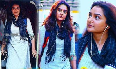 Manju Warrier jumps on KSRTC bus, surprise crowd Video