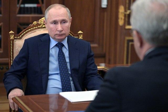 Танјуг / Алексеј Дружинин, Спутник, Фото базен во Кремlin преку АП